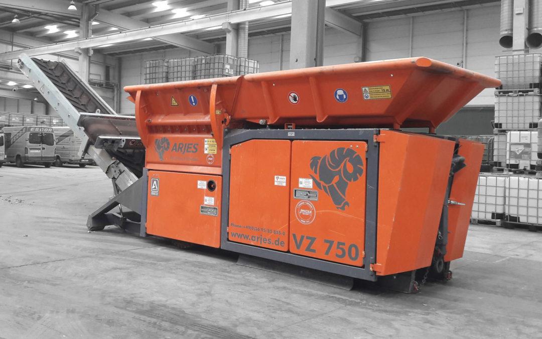 Nueva entrega de maquinaria Octubre / ARJES VZ750 – SENNEBOGEN 818
