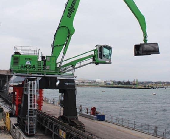 máquinas manipuladoras para puertos